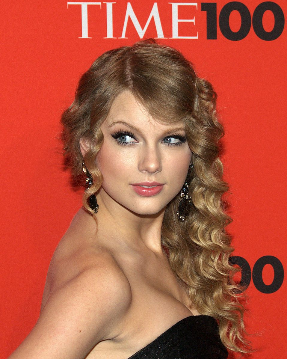 Dj Wants To Bar Taylor Swifts Expert From Sexual Assault Trial